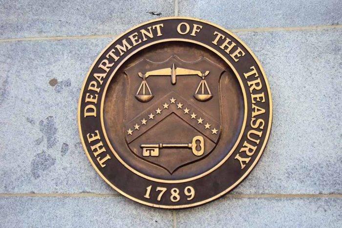 Departamento del Tesoro de EEUU sancionó a dos navieras por mantener lazos con Maduro