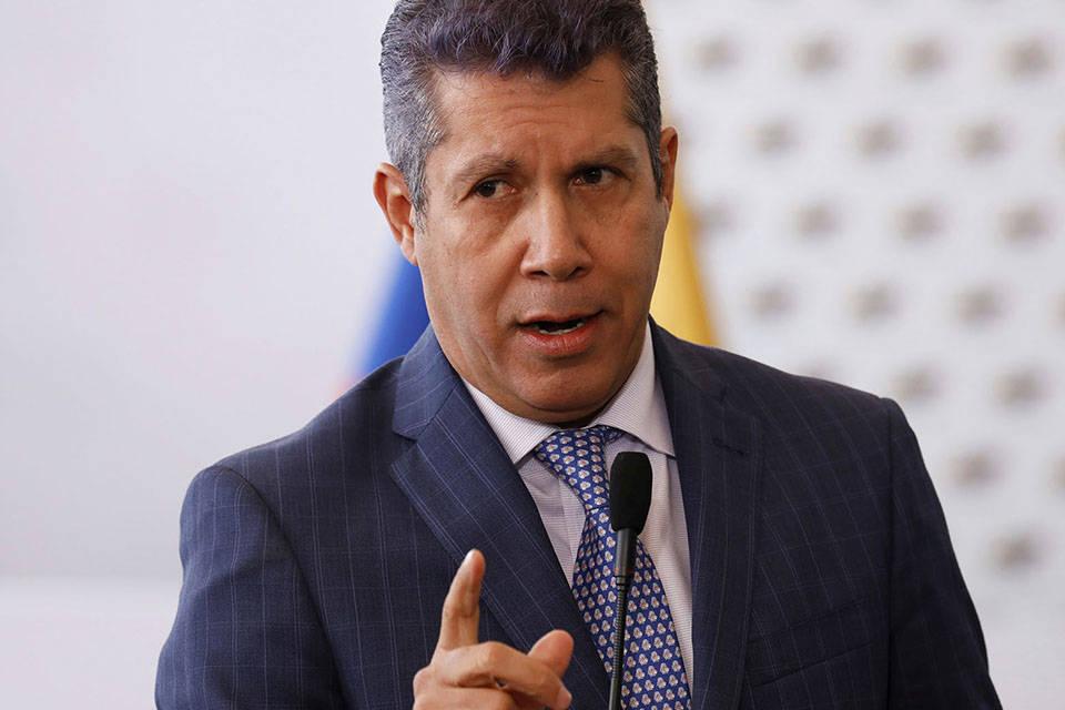"""Henri Falcón pide escoger al nuevo CNE """"concertada y negociadamente"""""""