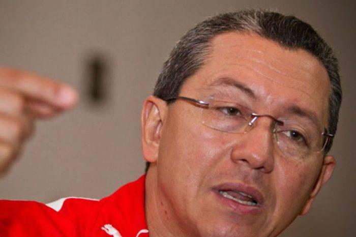 Julio León Heredia señala a Luis Parra de conseguir su curul de forma fraudulenta
