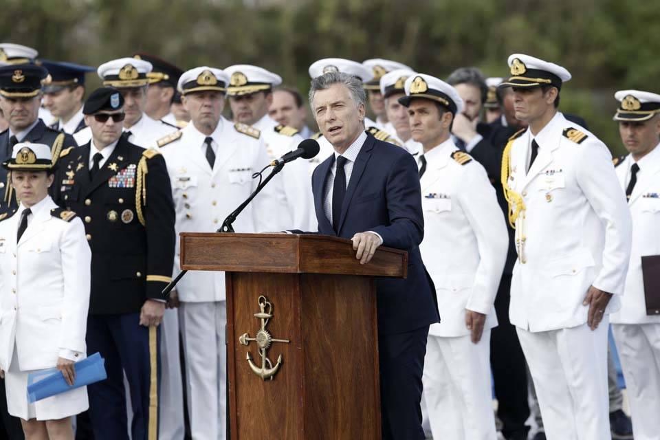 Argentina no rescatará por ahora restos de tripulantes del submarino ARA San Juan