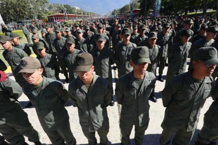 Veppex pide a Juan Guaidó nombrar agregados militares a los oficiales en el exilio