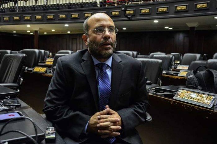 Diputado Millán asevera que el Gobierno hace acuerdos dudosos para pagarle a Crystallex