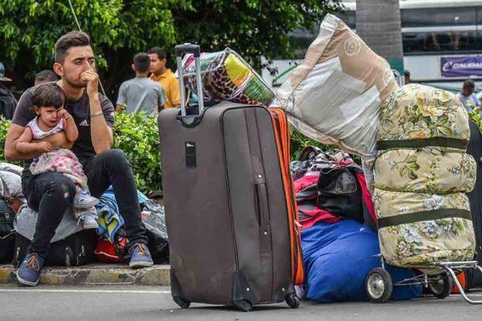 Cuatro de cada 10 venezolanos preferirían irse del país