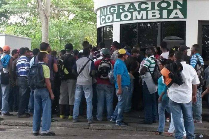 Colombia podría validar pasaportes venezolanos vencidos