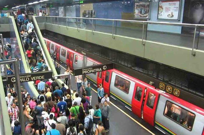 El día que el Metro de Caracas cruzó la raya amarilla, por Ariadna García
