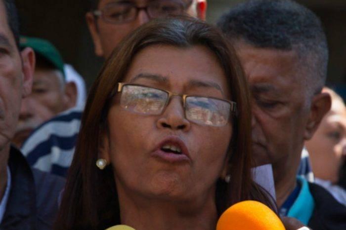 Ana Contreras al ministro de Salud: En el JM de los Ríos hace falta insumos, no juguetes