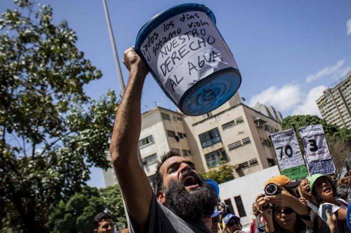 Caracas sin agua: De la sequía, El Niño, sabotajes y otros cuentos del gallo pelón