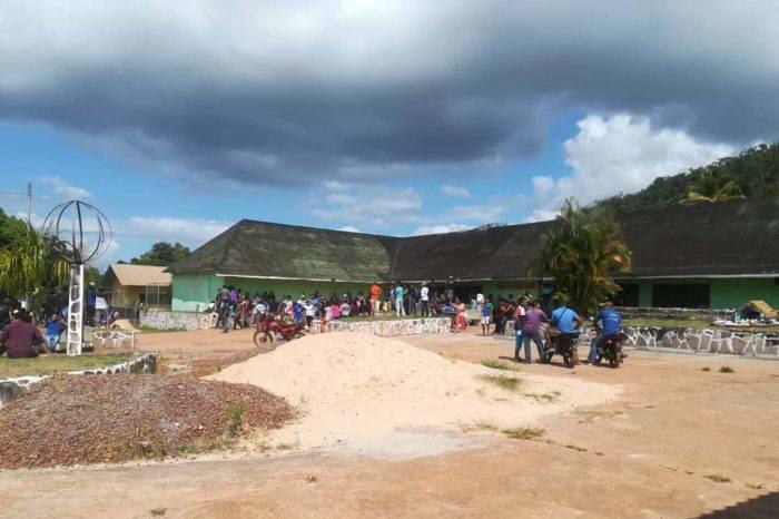 Indígenas toman centros electorales y cierran accesos de la Gran Sabana