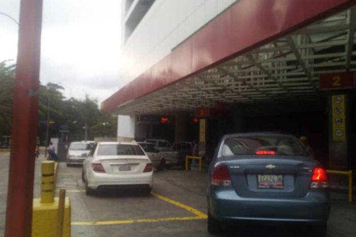Volvieron las colas para echar gasolina en varios sectores de Caracas