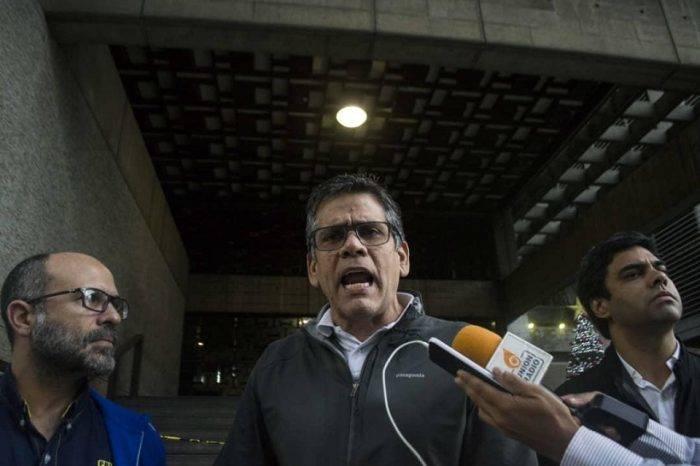 Diputados de PJ hicieron un cierre simbólico al BCV por ser cómplice de Maduro