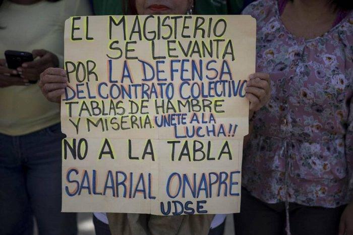 Sindicato de maestros convoca 'rebelión magisterial' para exigir mejoras salariales