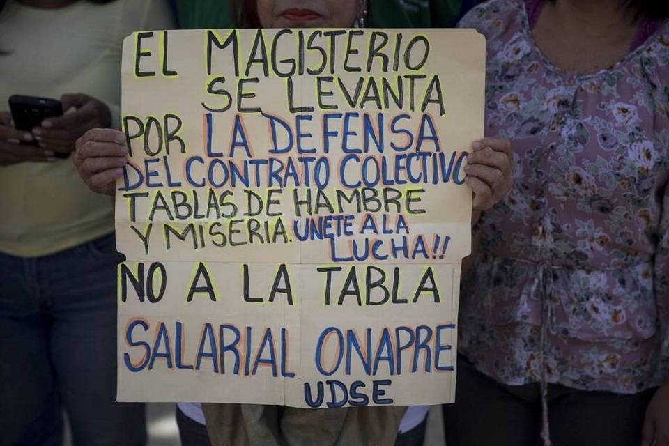 Sindicato de maestros protesta