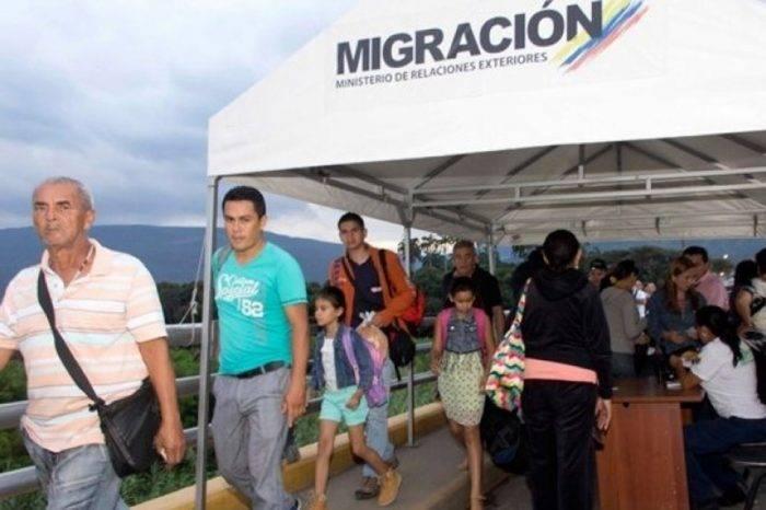 Migración Colombia desalojó a 300 venezolanos que vivían hacinados en Cúcuta