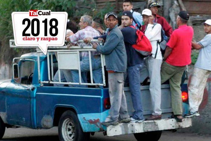 Venezolanos resolvieron la crisis del transporte a punta de cola y patica