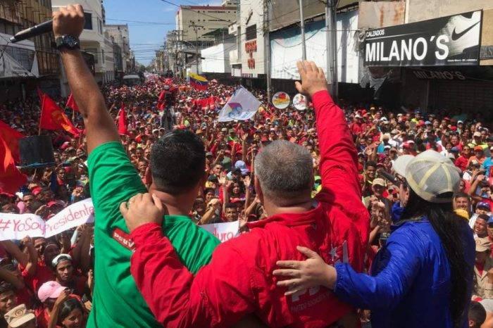 """Para Cabello, es necesario que los """"tibios"""" definan su bando"""