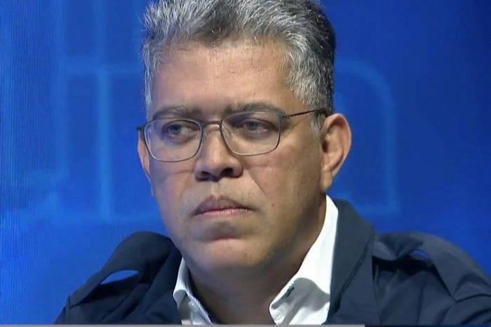 Jaua le pidió a Maduro llegar a acuerdos con la oposición