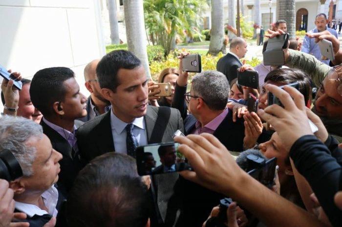 Guaidó sigue libre, por Naky Soto