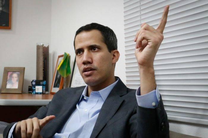 """""""Vivimos en dictadura y para la transición necesitamos al chavismo"""""""