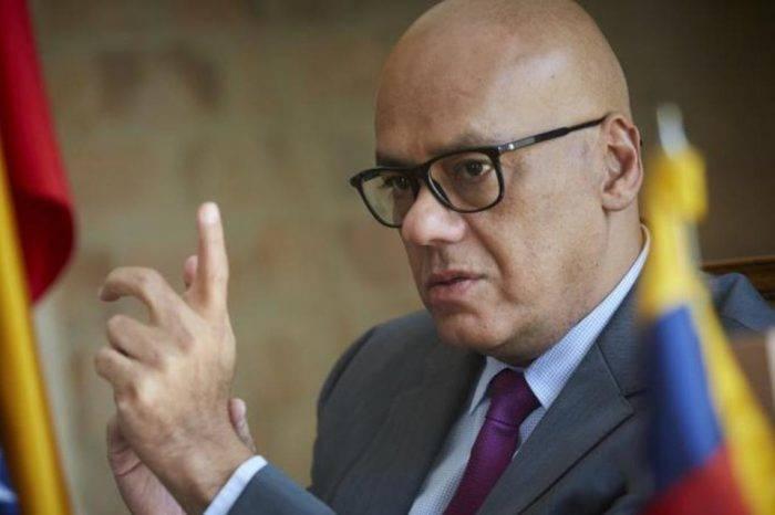 Jorge Rodríguez acusa a Guaidó y VP de malversar fondos destinados a ayuda humanitaria
