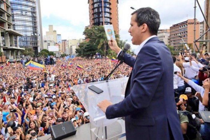 Magistrados en el exilio explican legalidad de la juramentación de Guaidó