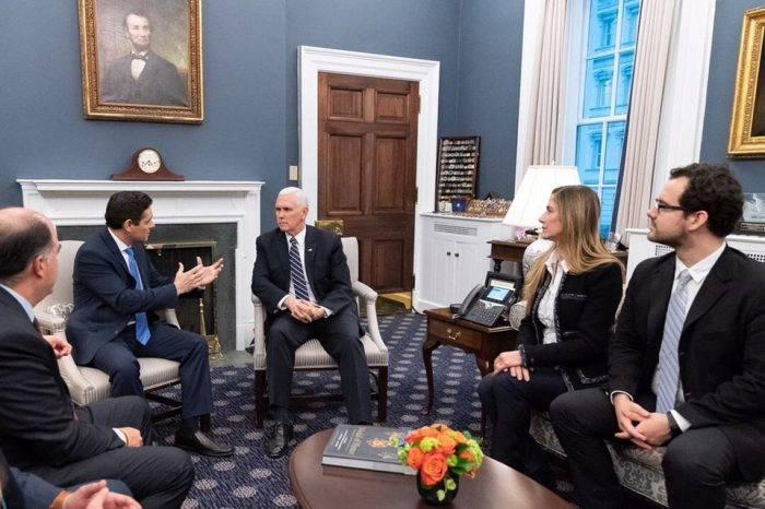 Mike Pence se reunió con Vecchio y Borges, diplomáticos designados por Guaidó