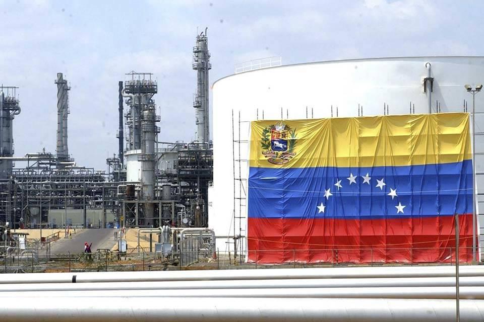 Para la administración Maduro será imposible recuperar la producción petrolera