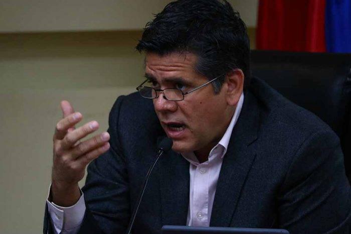 Rafael Guzmán: No puede haber aumento de sueldo sin gestos para incentivar producción