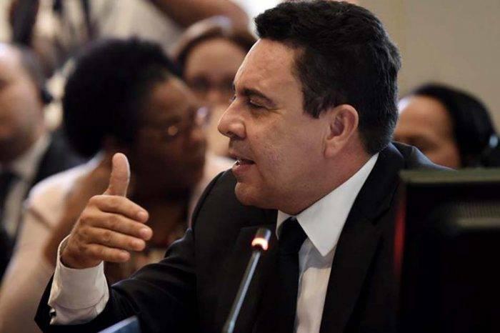 Moncada asegura que nuevo gobierno de Bolivia realizará una cacería de legisladores