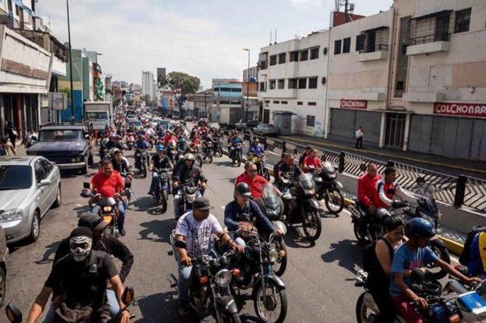 Paramilitares agredieron a manifestantes por ordenes de Maduro en Caracas