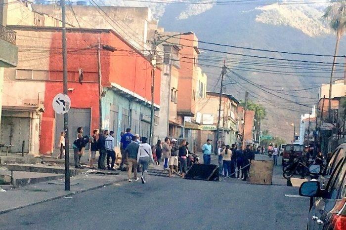 Vecinos de Catia protestaron por tener más de cinco días sin luz