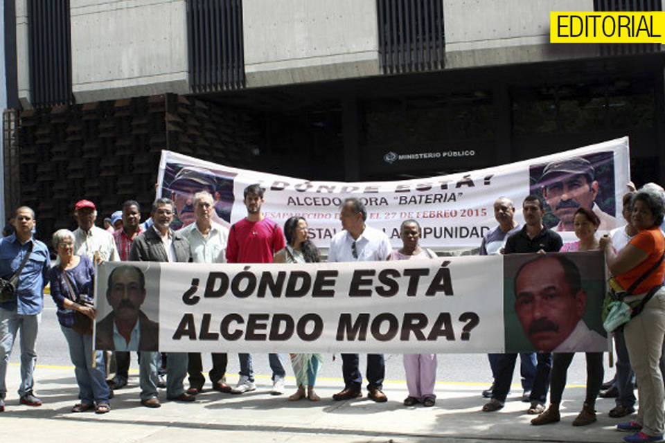 Alcedo Mora. Editorial
