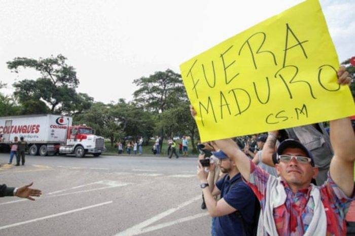"""""""Haremos todo lo que sea necesario para salvar vidas"""", advierte Guaidó"""
