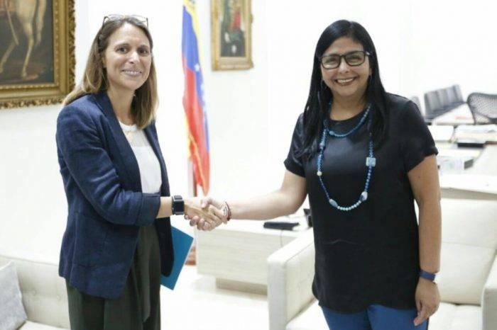 """Delcy Rodríguez se reúne con la Cruz Roja para """"revisar mecanismos de cooperación"""""""