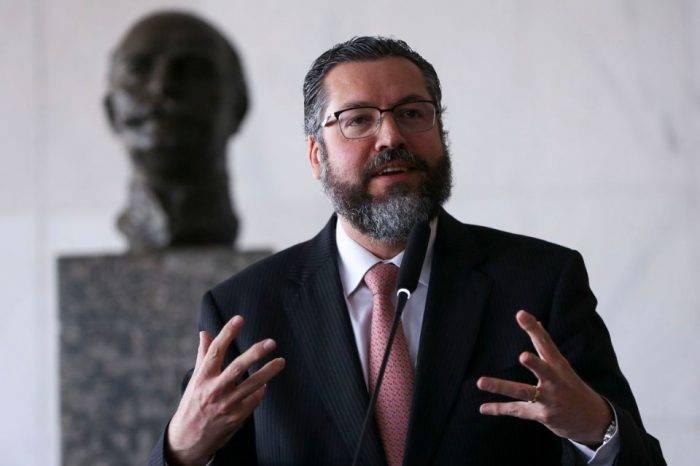 Brasil dice que Maduro es incapaz de revertir transición democrática en Venezuela