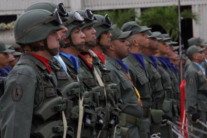 General de división se pronuncia en contra de Maduro y pide a la FAN apegarse al art. 328