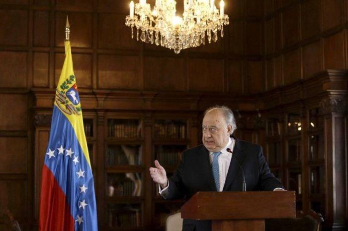Duque recibió cartas credenciales de embajador designado por Guaidó