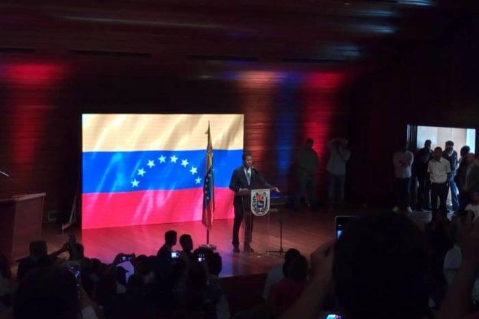 Guaidó: Se les cayó la mentira del bloqueo con medicinas chinas que llegaron al país
