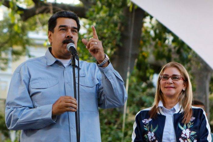 "Maduro dice que ""marchará"" a Washington con carta firmada por 10 millones de venezolanos"