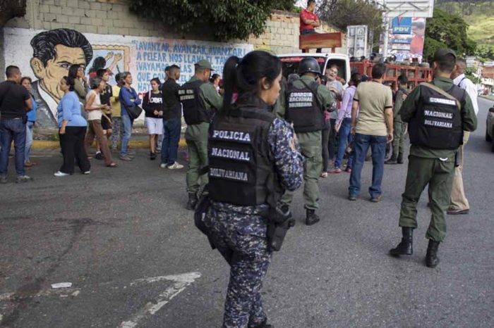 """""""Quiero que paguen"""", pide madre de joven herido por Politáchira durante protesta"""