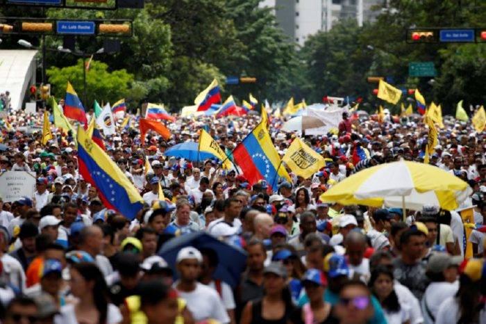 El mes que Venezuela cambió, por Simón García