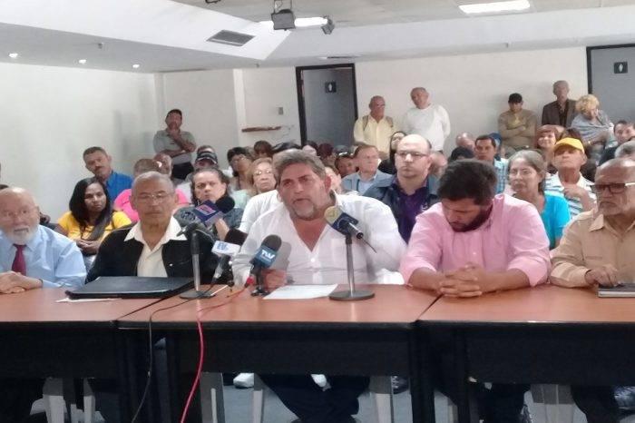 Frente Amplio condena quema de ayuda humanitaria y propone seguir en las calles