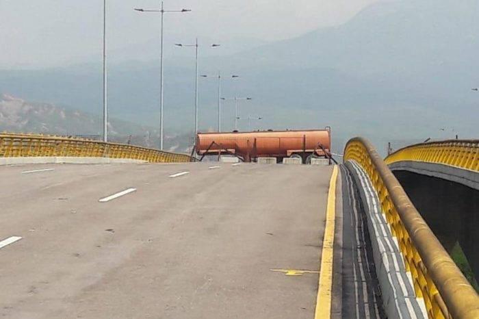 Bloquean puente a través del cual transportarían la ayuda humanitaria a Venezuela