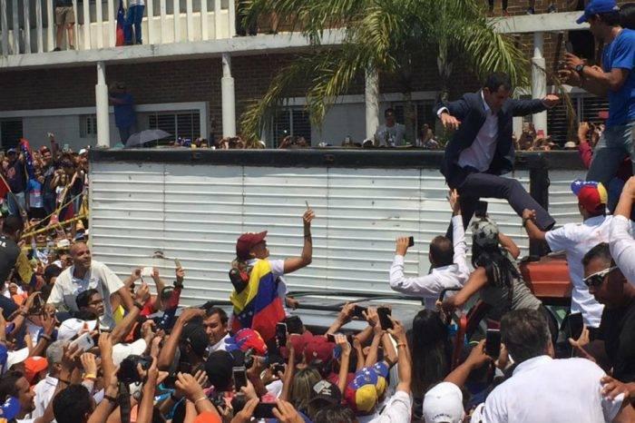 Juan Guaidó: No tengan dudas, todas las opciones están sobre la mesa