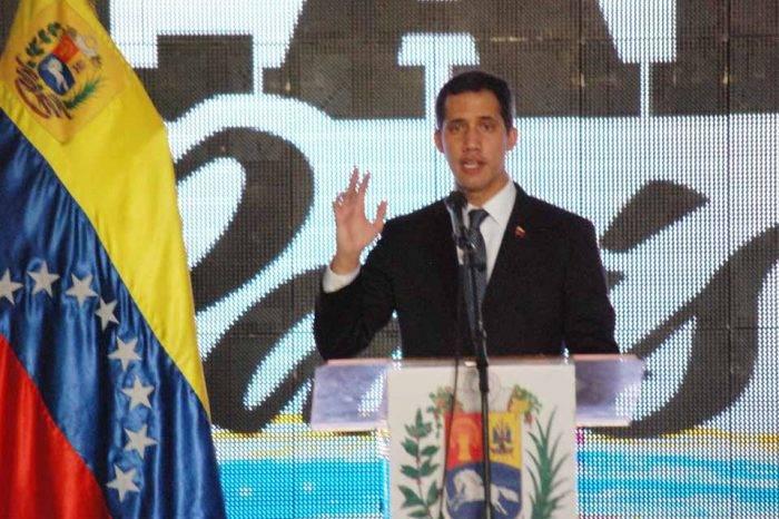"""Guaidó promete nuevo ingreso de ayuda humanitaria """"en los próximos días"""""""