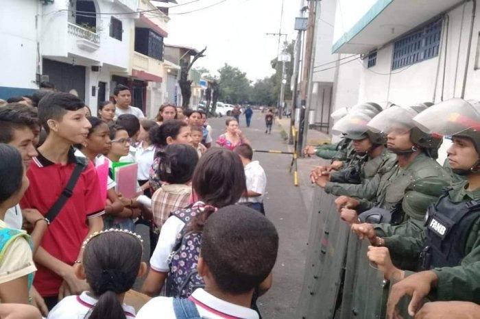 Colombia habilita corredor escolar para garantizar educación de niños en la frontera