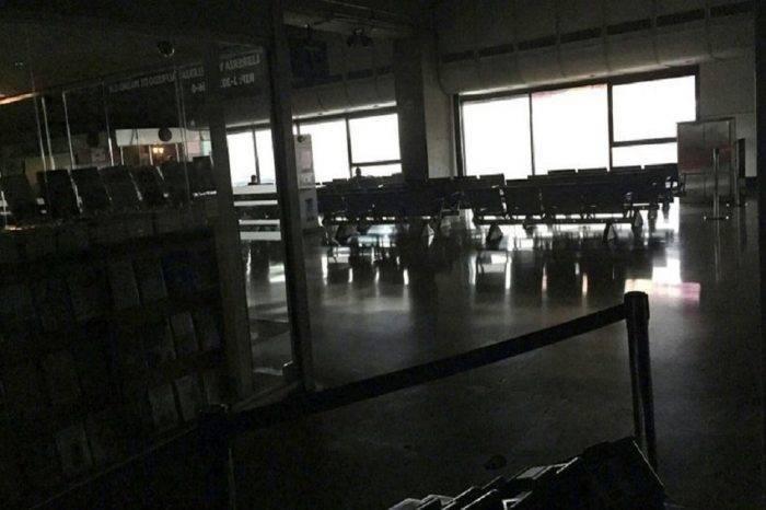 Aeropuerto Internacional de Maiquetía permanece en penumbras y con vuelos cancelados