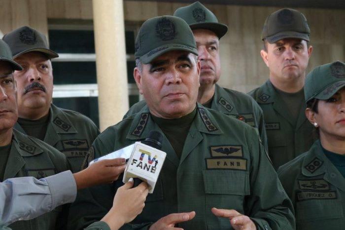 Padrino López busca tapar desastre de apagón con patrullaje en las calles