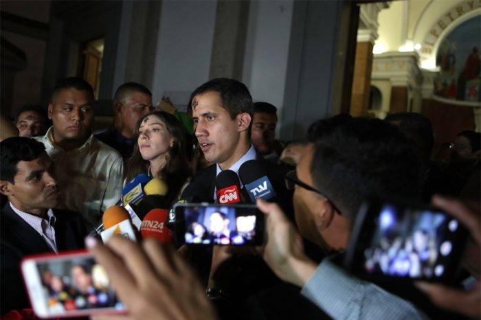 Guaidó le pide a Bachelet verificar de primera mano lo que sucede en Venezuela