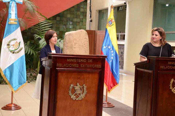 Gobiernos de Francia y Guatemala aceptaron a embajadoras designadas por Guaidó