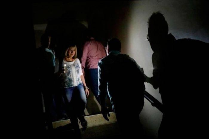 Reportan fallas eléctricas en zonas de Caracas y Miranda este #16Jun